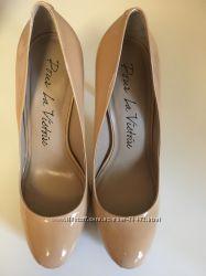Изумительные туфли Pour  la victoire