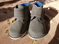 Недорогие НОВЫЕ качественные ботиночки на мальчика PUMPKIN PATCH 23р