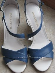 Enzo Angiolini - красивущі босоніжки для королівських ніжок.