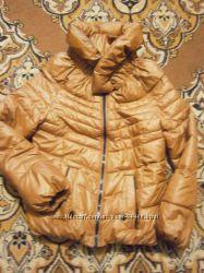 красивая курточка состояние новой