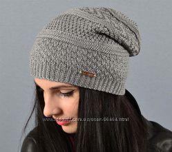Удобные и теплые шапочки разных цветов La visio