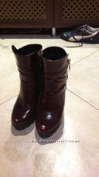 Натуральная гладкая кожа цвет бордо, отличные деми ботинки