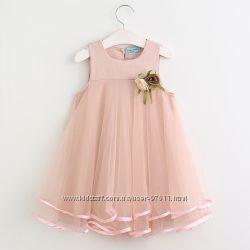 Нежное платье с цветком для девочки пудра размеры 110-140
