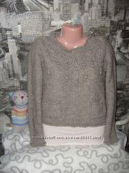 Теплый свитер укороченный