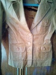 Продам кожаную курточку состояние отличное