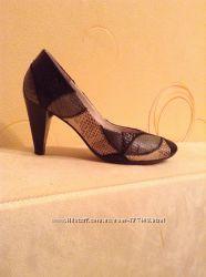 Фирменные красивые туфельки Hogl размер 35