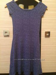 Платье Stradivarius размер xs