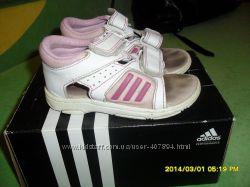Босоножки adidas 25 р.