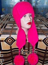 Малиновая шапочки-ушаночки с супер помпонами. Теплые, модные. Рекомендую