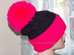 Вязаная шапочка с помпоном и отворотом, очень классная модель.