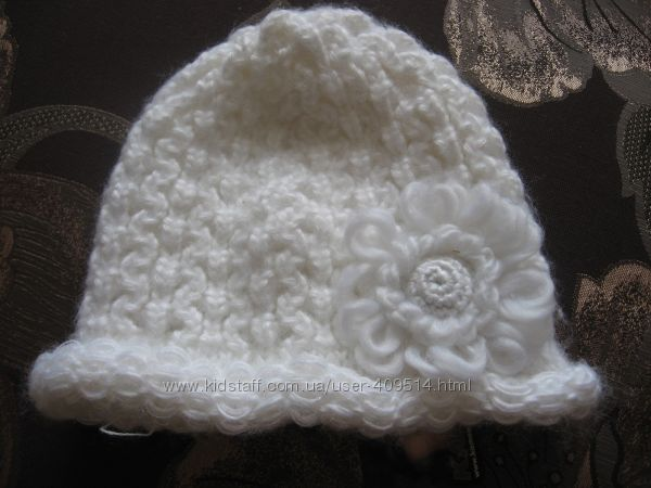 оригинальная шапка белая с цветком