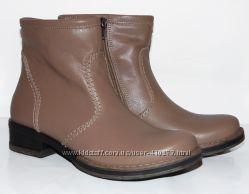 Кожаные зимние ботинки, бежевого цвета распродажа