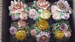 Капкейки с малазийскими цветами