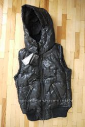 Куртка-безрукавка черная Terranova
