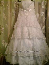 Неотразимо ооочень красивое свадебное платье с шикарным шлейфом