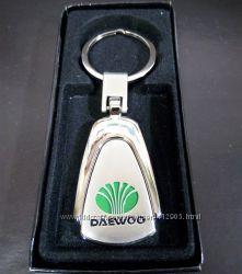 Авто брелок ДЭУ Daewoo, металл, отличный подарок