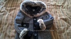 Елегантне пальто для майбутньої мами
