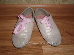 Продам туфельки фирма M&S 15, 5 см.