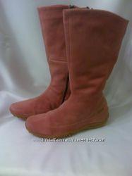 Зимние розовые замшевые сапожки на меху
