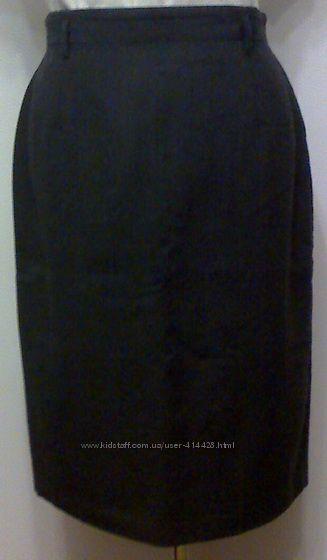 Тонкая теплая прямая юбка 50-52размер. Шерсть