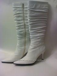 Роскошные белые сапоги. Кожа. 39-40 размер