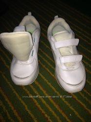 кроссовки белые почти новые