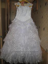 Продам свадебное платье фата перчатки.