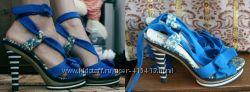 синие замшевые босоножки