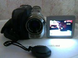 видеокамера JVC GR-DF420E