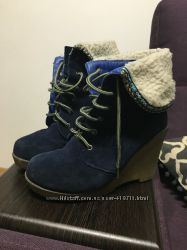 Продам синие замшевые ботиночки на платформе
