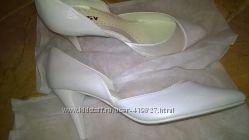 всего 500 р. новые туфли, можно невесте, р-р 39