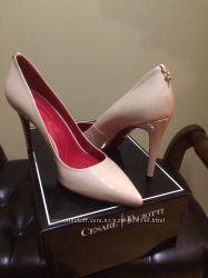 Нюдовые туфельки Cesare Paciotti