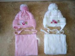 Теплые деми шапочки как новые 1-2 года можно для близнецов