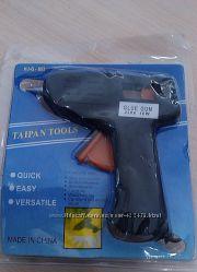 Пистолет клеющий силиконом