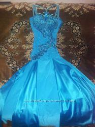 Шикарное вечернее платье, на выпускной р. 44-46