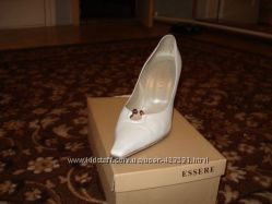 Туфли женские,  цвет - белый перламутр, размер -38, очень удобная колодка.