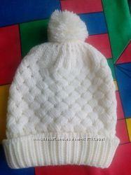 вязаная шапка молочного цвета Кира Пластинина