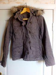 Фирменная куртка, размер М