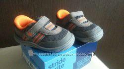 Очень удобные кроссовки на малыша  STRIDE RITE 11см стелька