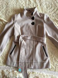 Пальто бежевое на девушку