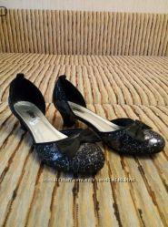 Туфли открытые, нарядные, черные, бу 1 раз