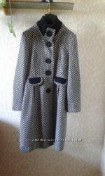 Пальто в стиле Шанель шерстяное на  M S хорош состояние