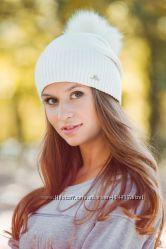 Красивая женская качественная шапка с помпоном классная