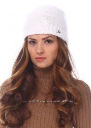 Красивая двойная шапка с бубоном-песец три цвета