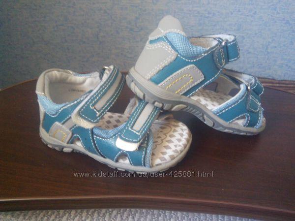 Босоножки для малыша B&G