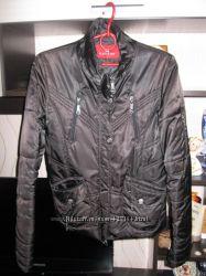 Курточка на синтепоне 100руб.