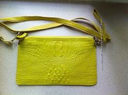 сумочка кросс-боди желтого цвета, кожа, новая