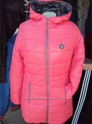 Зимняя яркая куртка