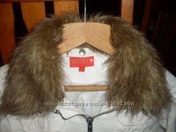 Класна молодіжна коротенька курточка