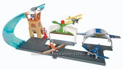 Игровой набор Авиагараж из мф Самолетики Disney Planes Propwash Playse
